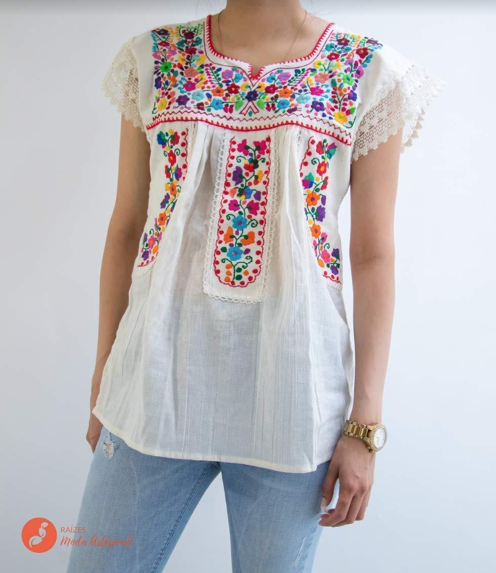 Blusa mexicana con flores con encaje
